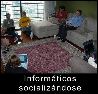 Informáticos socializándose