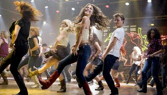 Kenny Wormald y Julianne Hough en Footloose
