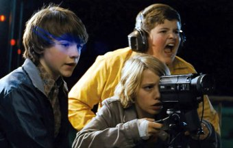 Riley Griffiths, Joel Courtney y Ryan Lee en Super 8